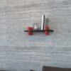 Raft perete Mira, Negru-rosu